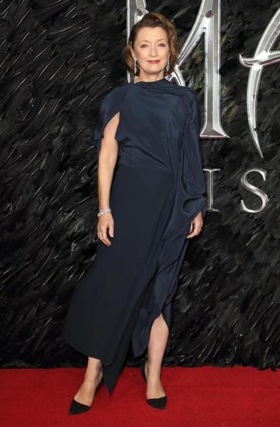 Звезда «Малефисенты 2» заменит Хелену Бонем Картер в пятом сезоне «Короны»