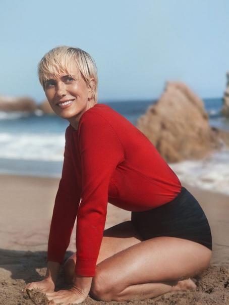 Кристен Уиг в фотосессии для свежего выпуска журнала InStyle Паоло Дзербини