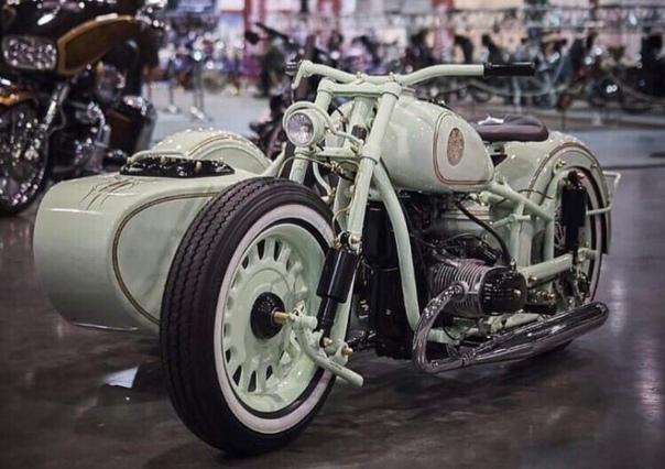 Парень сделал невероятную реконструкцию мотоцикла «Урал» и восхитил соцсети