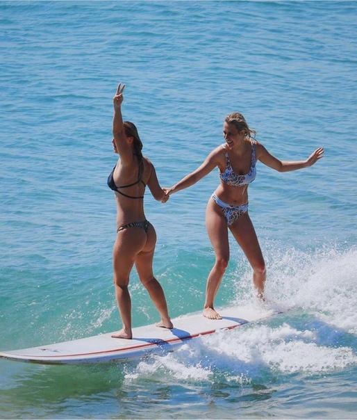Австралийские сестры-серфингистки Холли-Дейзи и Элли-Жан Коффи бросили спорт и занялись продажей откровенных фото Спортсменки открыли сайты, где продают снимки с рейтингом только для взрослых.
