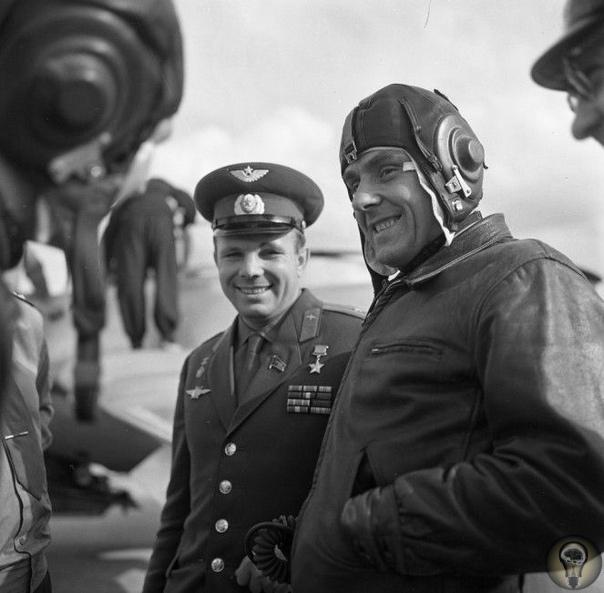 «Союз-1» Гибель космонавта Комарова «Союз-1» первый советский пилотируемый космический корабль () серии «Союз». Запущен на орбиту 23 апреля 1967 года. На борту «Союза-1» находился один космонавт