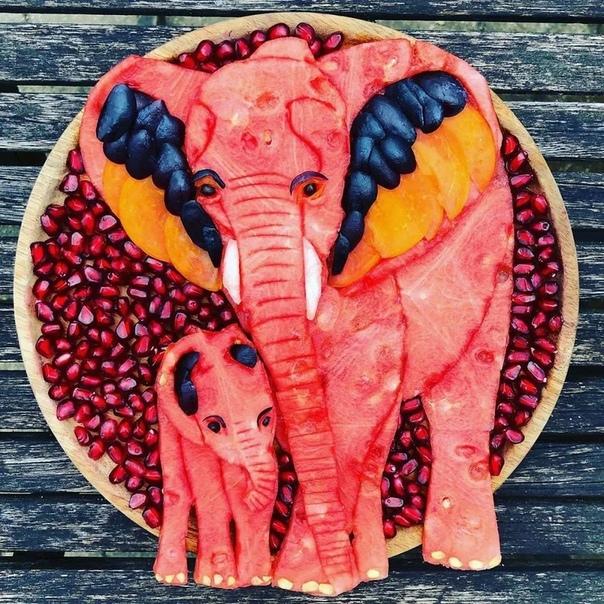 Эта женщина Сара Лескровет-Бич (Sarah Lescrauwaet-Beach из Бельгии превращает еду в искусство для тото, чтобы ее сыновья ели больше фруктов и овощей. Она заинтересовалась едой с еще в детстве.