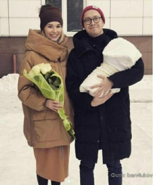 Премию Батя года получает россиянин, назвавший сына именем Маркетинг! Он хотел стать отцом маркетинга, и, похоже, стал им...