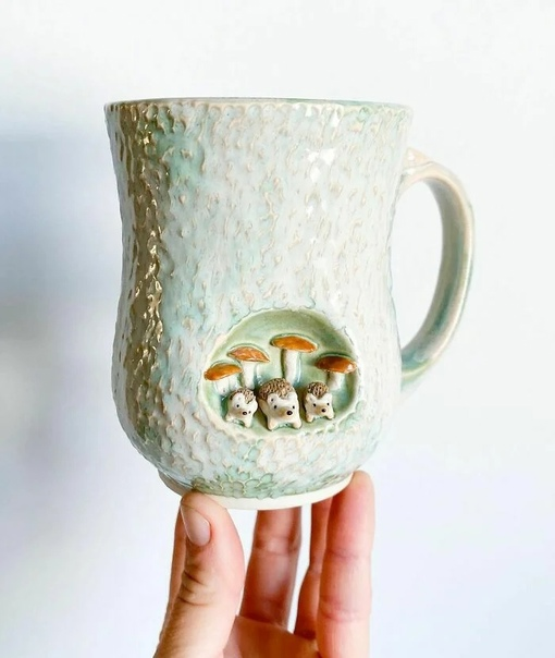 дивительно милую посуду создает керамист, художник-самоучка Брук Книппа из арт-студии AP Curiosities
