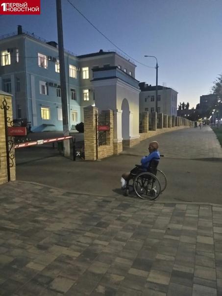 Мужчину-инвалида выгнали из больницы В Волгограде произошел вопиющий случай. Инвалиду с ампутированными ногами не сделали перевязку. Причина - нет с собой полиса, да и вообще карантин. Медбрат