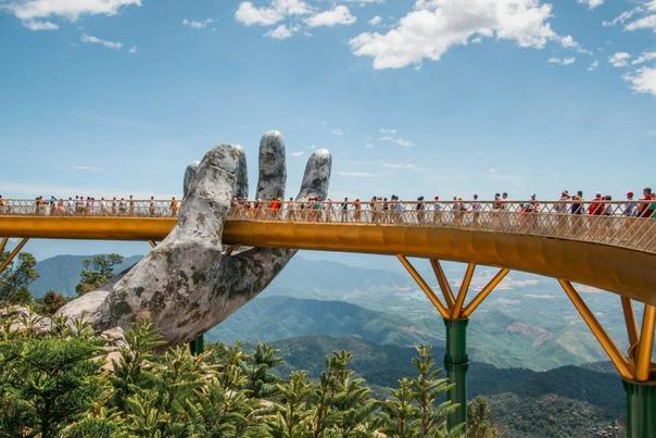 Вьетнам древнейшая азиатская страна с колоссальным туристическим потенциалом Здесь путешественники могут насладиться природными пейзажами, гигантскими пещерами, древними храмовыми комплексами и